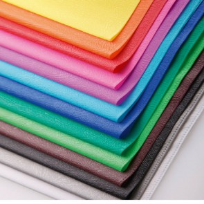 Protège cahier 17x22 bleu foncé en PVC opaque (grain cuir) 20/100ème avec porte-étiquette bleu victoria